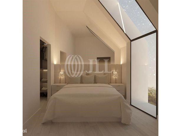 Apartamento T3 Duplex com Terraço Príncipe Real 28