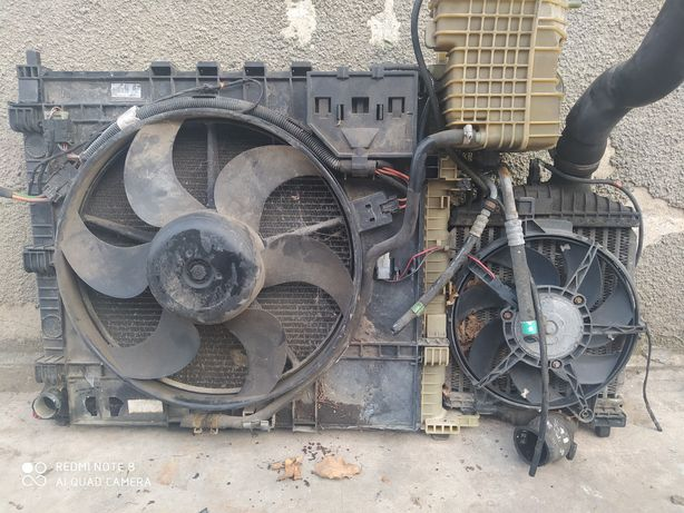 Радіатор мерседес віто Mersedes Vito 2.2cdi 2.3D
