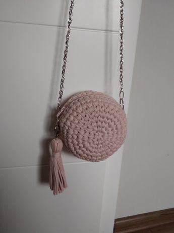 Torebka pleciona z materiału handmade różowa