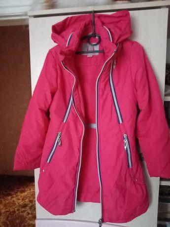 Продам пальта для девочки