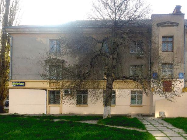 Продам офісну триповерхову будівлю площею 704 кв.м.