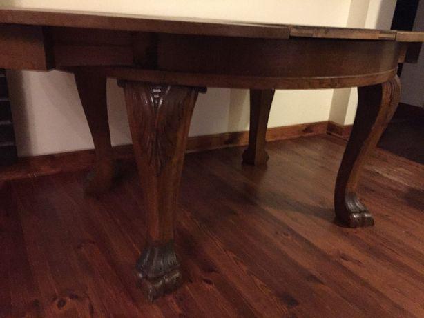 Stary stol lwi pazur lwie lapy lwie nogi