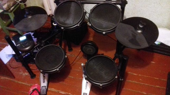 Электронные барабаны alesis nitro smash kit