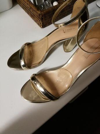 Sandálias dourados Aldo n37
