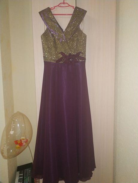 Вечірня, випускна сукня 9-10 років
