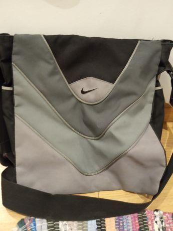 Mala Nike