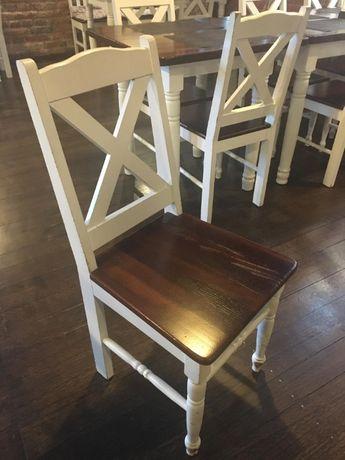 Krzesła drewniane w stylu włoskim