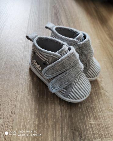 Ботинки, кеды, мокасины для малыша