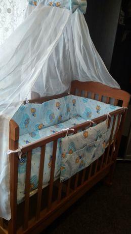 Кроватка детская с новым матрасиком, бортиками и постельным бельём