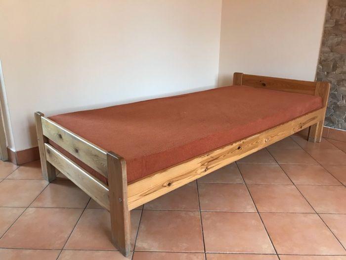 łóżko drewniane sosnowe z materacem 90/200 6 szt Mirów - image 1