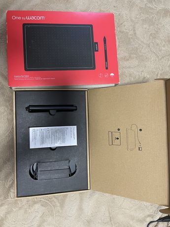 Графический планшет Wacom One размер М