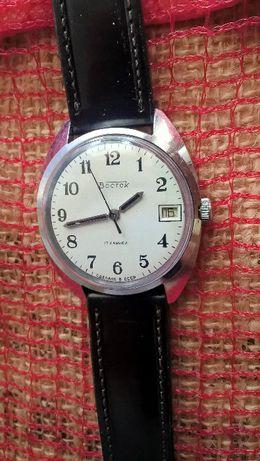 Biały klasyczny Wostok z datownikiem męski mechaniczny zegarek CCCP