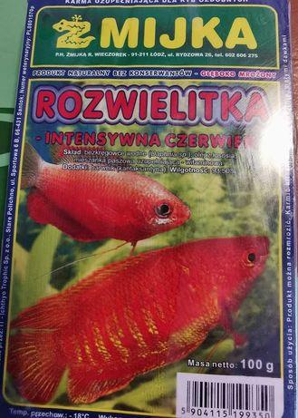 mrożony pokarm dla ryb DAFNIA ROZWIELITKA intensywna czerwień 100g.