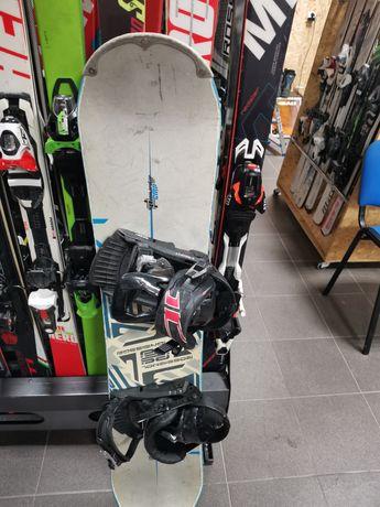 Deska snowbordowa Rossignol 130cm z wiazaniami