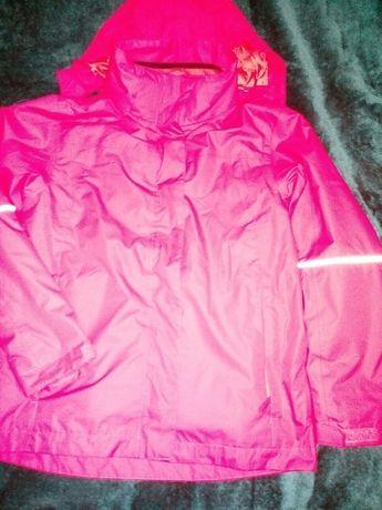 Продам куртку 2х1 ветровка,деми на флисе рост 134,новая