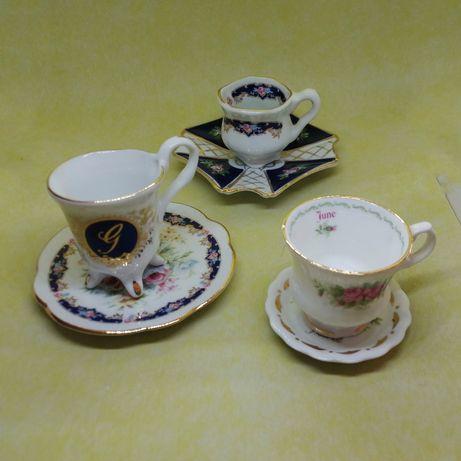 3 chávenas miniaturas