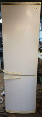 Продам 2-х компрессорный холодильник Атлант