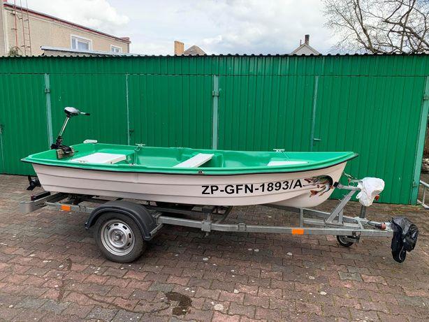 Łódka z silnikiem + przyczepka