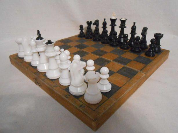 Шахматы пластмассовые