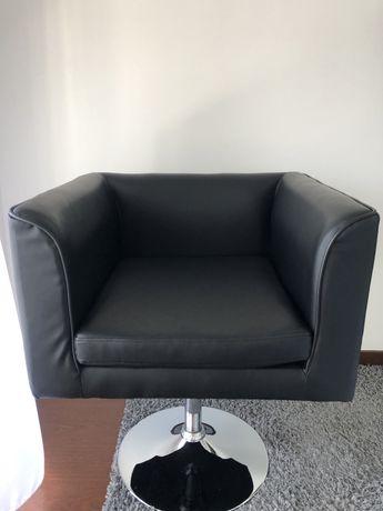 Cadeirao em pele preto
