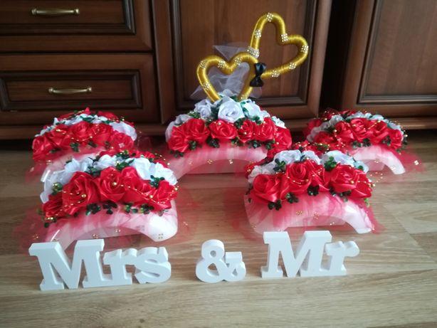 Stroiki weselne ślubne dekoracje biało czerwone