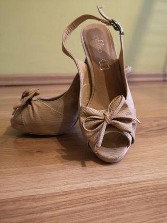 Skórzane szpilki sandały platforma beżowe kokardka 37