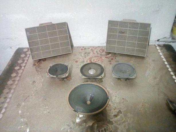Продам широкополосные динамики 5ГДШ (3шт) и 3 шт малые динамики.