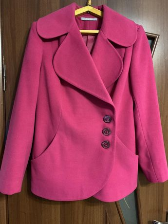 Пальто. Піджак жіночий
