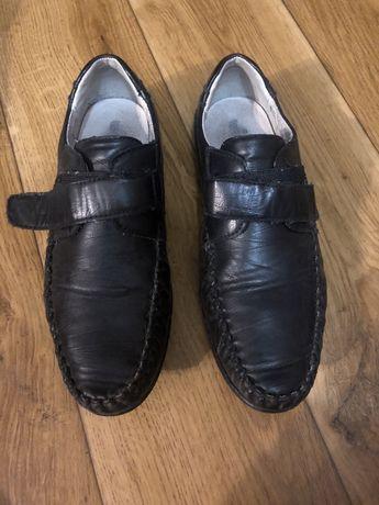 Туфли на мальчика 37р