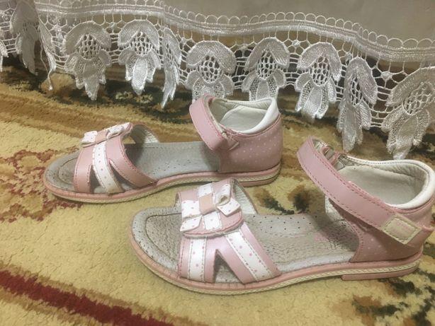 Босоножки Босоніжки рожеві для дівчинки