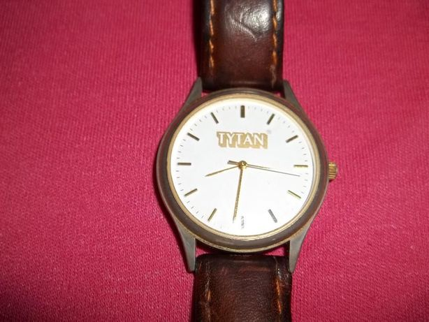 Męski zegarek kwarcowy TYTAN Vector Classic
