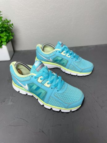 Женские спортивные кроссовки Nike original 36.5 удобные 23см