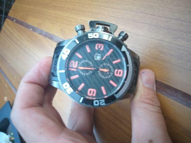 Швейцарские часы Invicta