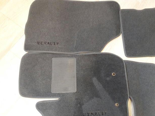 Коврики автомобильные Renault Duster (Рено дастер)