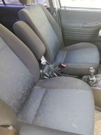 Fotele przód Opel Zafira A