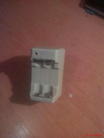Зарядное устройство для пальчиковых батарей Sony