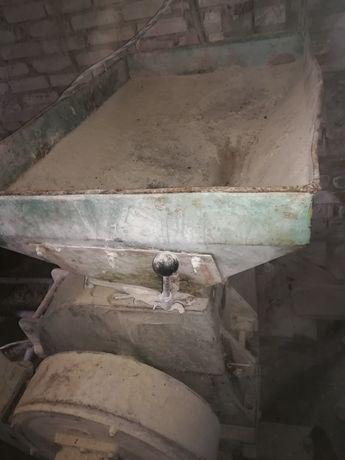Млин Дку зернодробилка