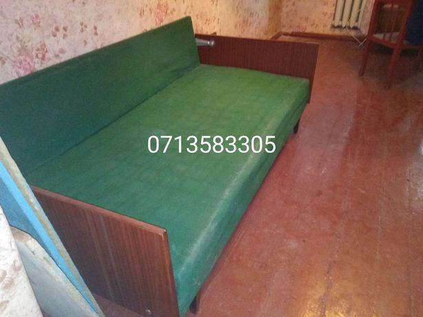 Отдам бесплатно диван, тумбочку, кухонный стол