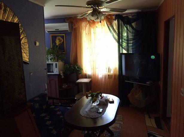 продам 3-х комнатную квартиру в центре Александрии