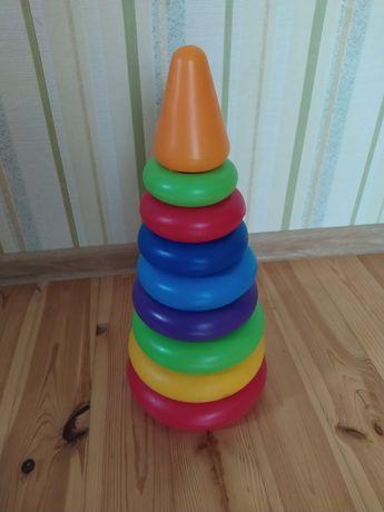 Іграшка - піраміда