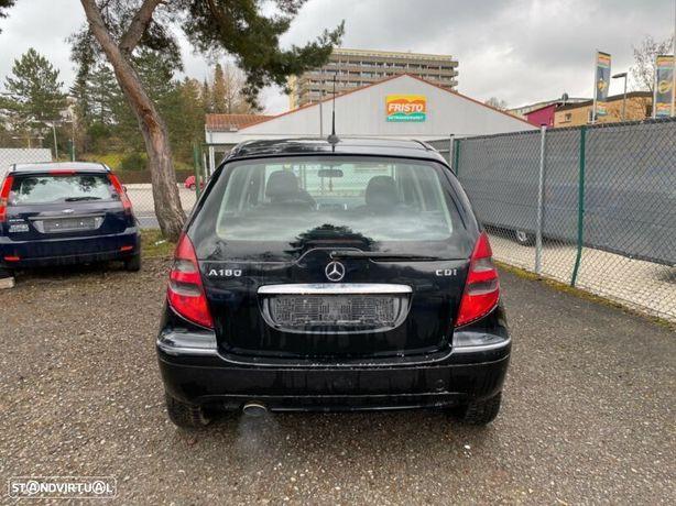 Mercedes Classe A (W169) 200cdi Mala Parachoques Farolim Stop Sensores Parqueamento Reforço
