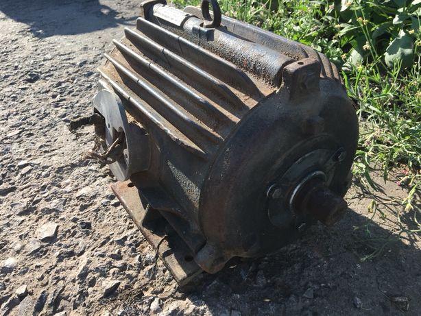 Двигатель асинхронный 220/380 5,5кВт