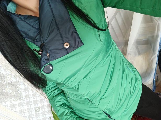 ТЕРМІНОВО  продам осінню куртку