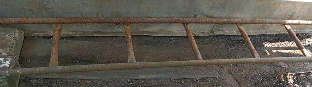 Продам трубчатую металлическую лестницу