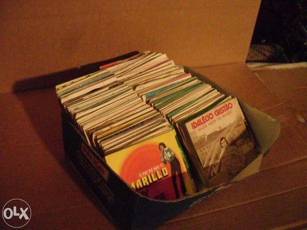 Lote com 3 Mil discos de vinil