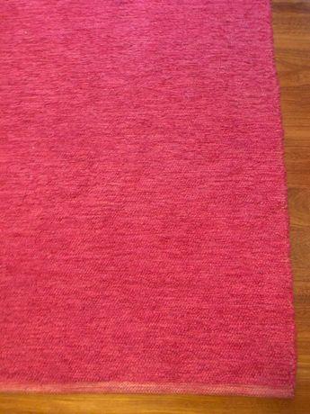 Tapete rosa dupla face de quarto de criança