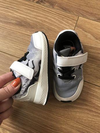 Adidas продам кроссовки