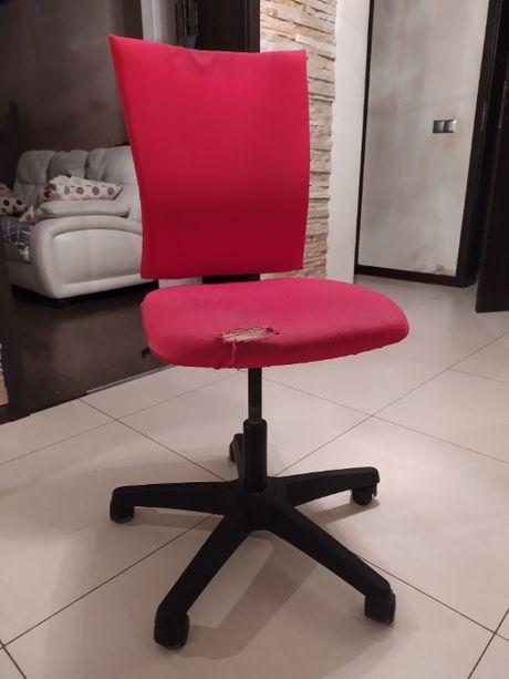 Fotel obrotowy czerwony