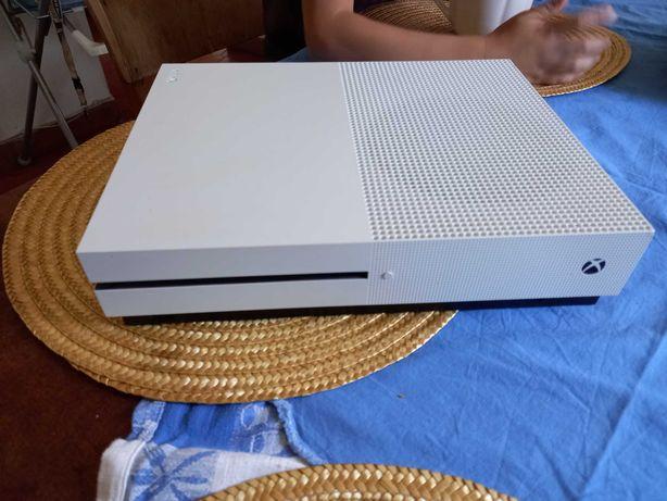 Xbox s one sem comando ...como nova conprei em mars