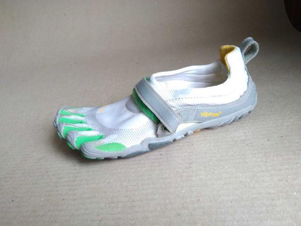 Скальники , кроссовки  обувь для скалолазания. VIBRAM